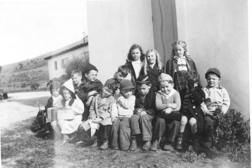 4_1943_villa_school_primary_class